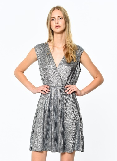 V Yaka Kolsuz Kloş Elbise-Koton